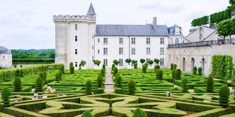 Plant, Garden, Landscape, Shrub, Hedge, Manor house, Medieval architecture, Plantation, Landscaping, Estate,