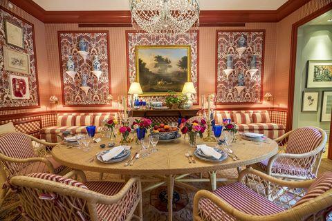 Room, Interior design, Furniture, Table, Textile, Interior design, Ceiling, Dining room, Chair, Picture frame,
