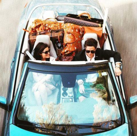Motor vehicle, Vision care, Vehicle, Automotive exterior, Goggles, Vehicle door, Sunglasses, Glass, Hood, Automotive window part,