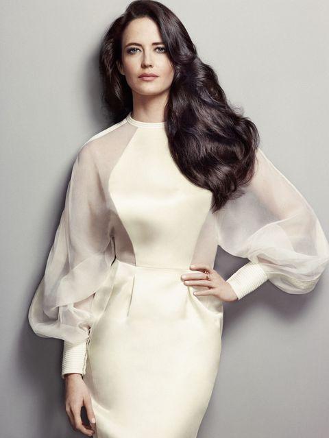 Lip, Hairstyle, Sleeve, Shoulder, Textile, Joint, Fashion model, Style, Fashion, Neck,