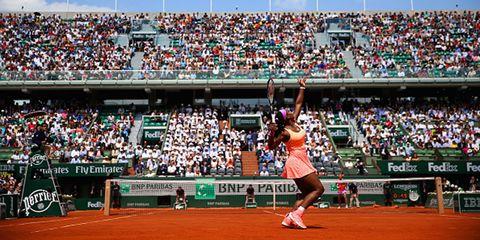 Sport venue, Crowd, Human leg, Tennis court, Audience, Sports uniform, Stadium, Fan, Tennis player, Racquet sport,