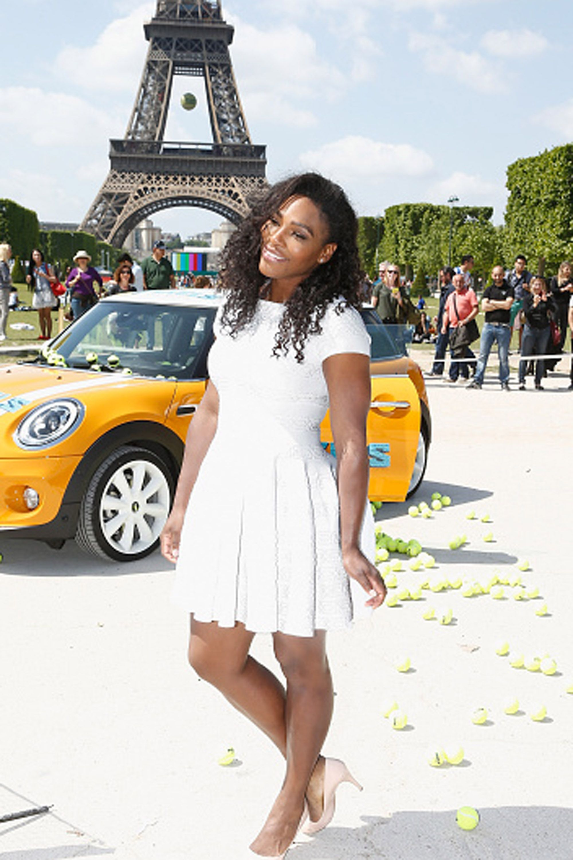 PARIS, FRANCE - MAY 22: American professional tennis player Serena Williams attends a photocall to promote the movie 'Pixels' on May 22, 2015 in Paris, France.  (Photo by Julien Hekimian/WireImage)