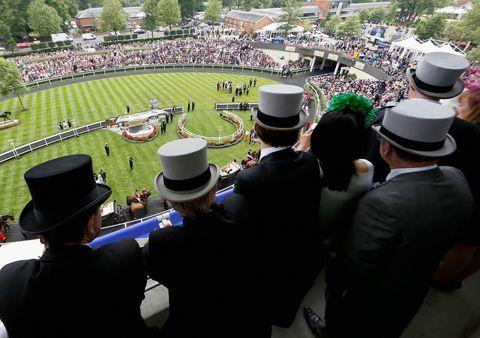 Hat, Crowd, Fashion accessory, Sun hat, Headgear, Costume accessory, Costume hat, Fedora, Pole, Garden,
