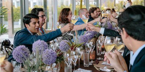 Barware, Drink, Drinkware, Alcoholic beverage, Alcohol, Bouquet, Glass, Stemware, Champagne stemware, Tableware,
