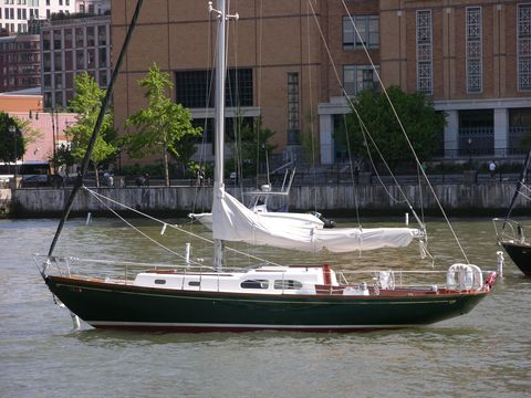 Water, Watercraft, Waterway, Boat, Boats and boating--Equipment and supplies, Naval architecture, Ship, Mast, Channel, Condominium,