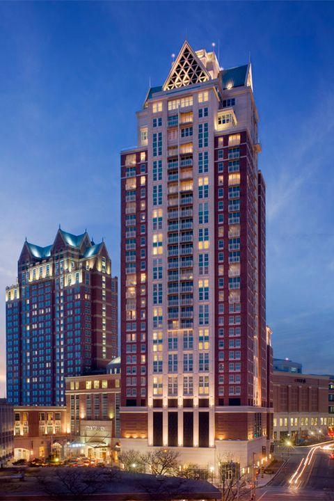 Tower block, Metropolitan area, City, Architecture, Urban area, Metropolis, Facade, Commercial building, Skyscraper, Mixed-use,