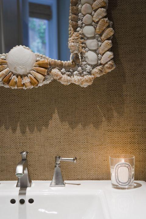 Serveware, Drinkware, Natural material, Interior design, Porcelain, Ceramic, Dishware, Cup, Home accessories, Plumbing fixture,