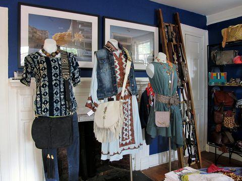 Textile, Retail, Fashion, Mannequin, Collection, Clothes hanger, Boutique, Shelf, Market, Shelving,
