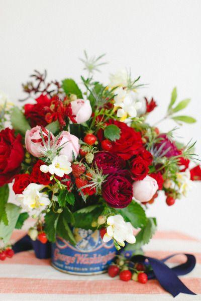 Petal, Flower, Bouquet, Cut flowers, Floristry, Flowering plant, Flower Arranging, Floral design, Rose family, Centrepiece,