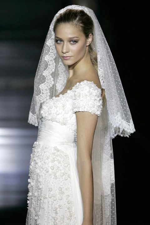 Wedding Dress Predictions: What T&C Sees Beatrice Borromeo ...