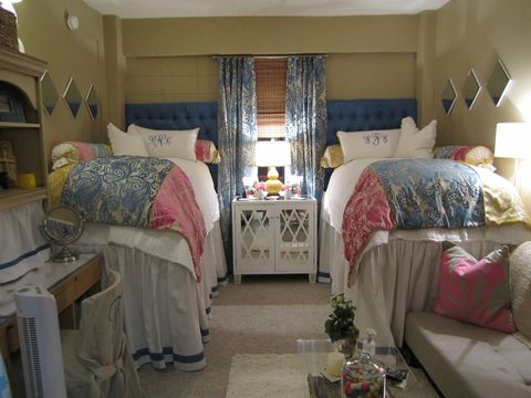 Should You Hire An Interior Decorator For Your Dorm Room