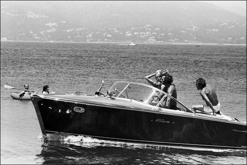 Watercraft, Recreation, Boat, Boating, Outdoor recreation, Speedboat, Monochrome, Monochrome photography, Black-and-white, Boats and boating--Equipment and supplies,