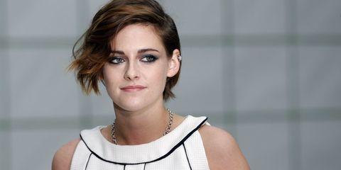 Ear, Lip, Cheek, Hairstyle, Skin, Chin, Forehead, Jewellery, Shoulder, Eyelash,