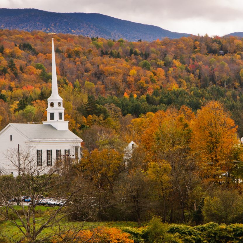 "<p><a href=""http://www.countryliving.com/life/travel/a36136/vermont-fall-foliage/"" target=""_blank"">Vermont claims</a> to have the best fall color in the world, and there's no better way to convince you of that than a trip to this charming town that's home to the famous <a href=""http://www.trappfamily.com"" target=""_blank"">Trapp Family Lodge</a>. The most brilliant color peaks from the last week of September through the first few weeks of October.