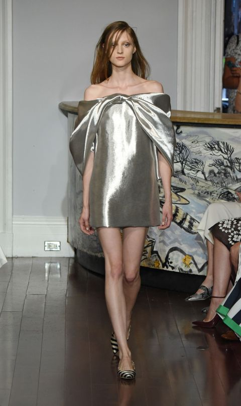 Leg, Human leg, Shoulder, Joint, Dress, Style, One-piece garment, Thigh, Day dress, Fashion,