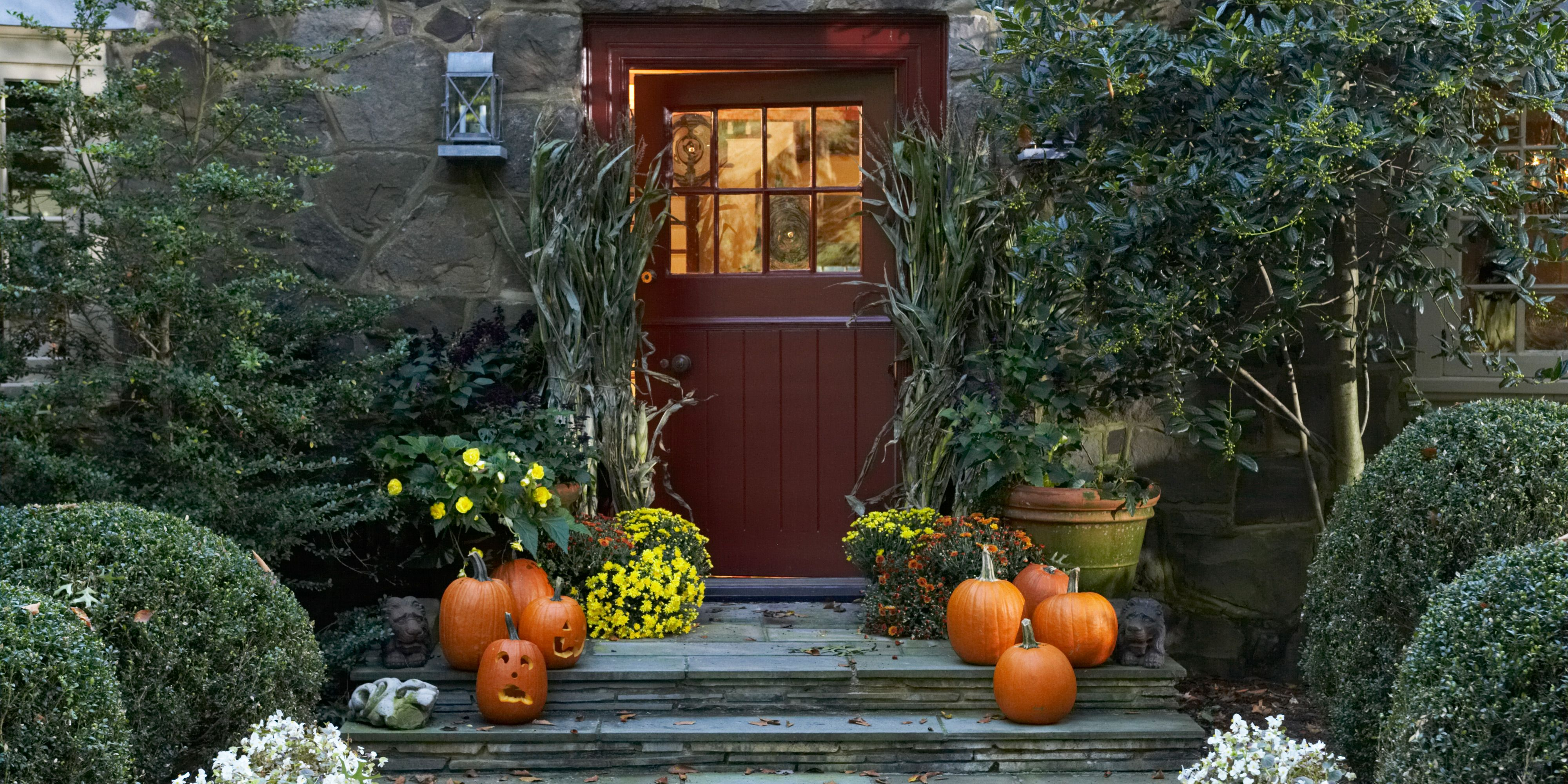 19 Elegant Halloween Decorations Classiest Halloween Decor