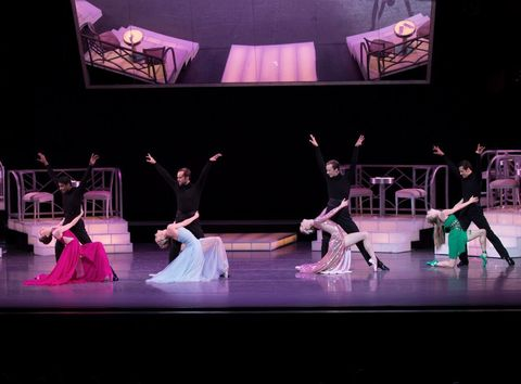 Performing arts, Entertainment, Event, Dancer, Stage, Performance, Purple, Artist, Performance art, Choreography,