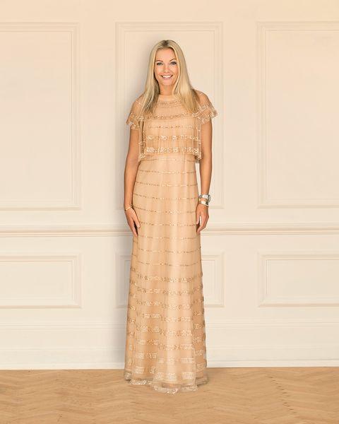 Clothing, Brown, Sleeve, Shoulder, Textile, Formal wear, Dress, Floor, Gown, Flooring,