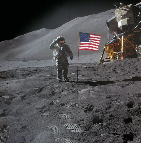 Flag, Space, Flag of the united states, Mountaineer, Astronomical object, Mountaineering, Curious,