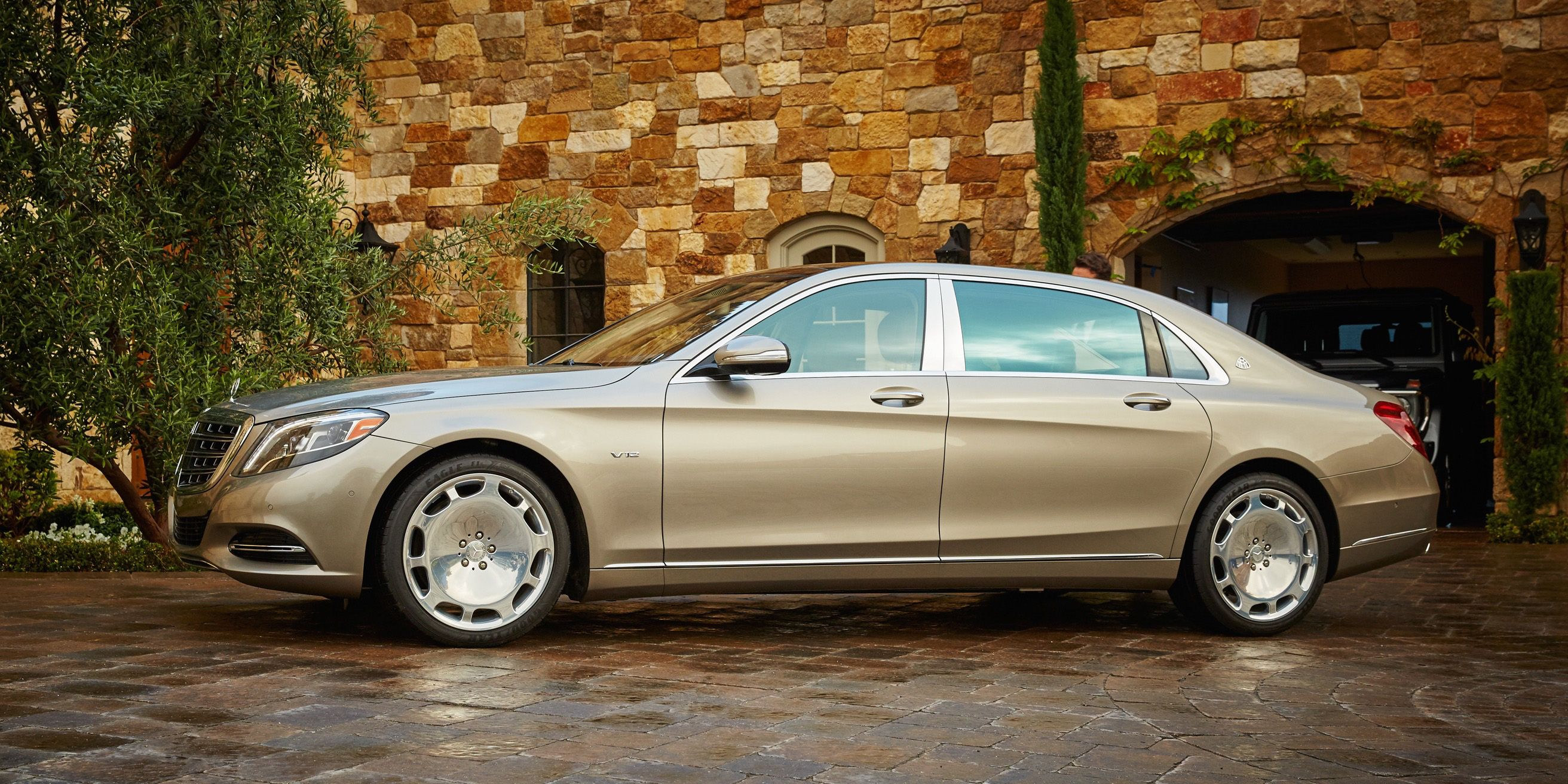 Mercedes-Maybach S600 - A Night Out In A Mercedes-Maybach S600