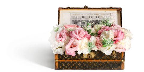 Petal, Flower, Bouquet, Pink, Cut flowers, Flowering plant, Flower Arranging, Floristry, Floral design, Rose order,