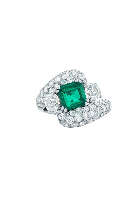 Jewellery, Fashion accessory, Ring, Diamond, Teal, Engagement ring, Body jewelry, Pre-engagement ring, Emerald, Gemstone,
