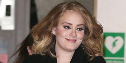 Lip, Smile, Cheek, Hairstyle, Chin, Forehead, Eyebrow, Eyelash, Mammal, Facial expression,
