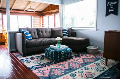 Blue, Wood, Room, Interior design, Floor, Property, Flooring, Home, Wall, Furniture,