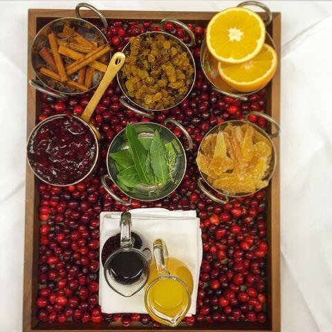 Ingredient, Tableware, Food, Fruit, Produce, Jewellery, Citrus, Serveware, Lemon, Natural foods,