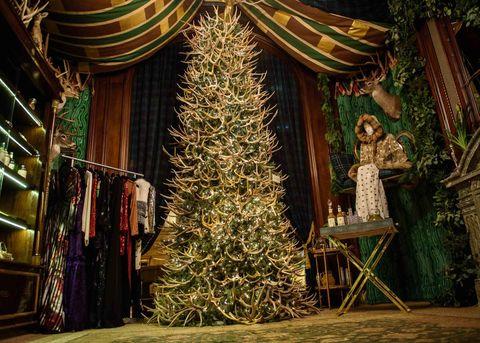 Christmas tree, Interior design, Christmas decoration, Interior design, Holiday, Tradition, Christmas, Ornament, Evergreen, Christmas ornament,
