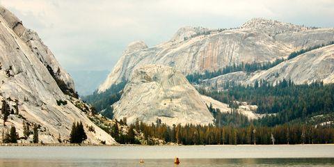 Mountainous landforms, Mountain range, Mountain, Winter, Bank, Valley, Watercourse, Summit, Reservoir, Wilderness,
