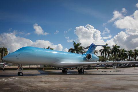 Mode of transport, Aircraft, Airplane, Aerospace engineering, Air travel, Aqua, Cumulus, Arecales, Meteorological phenomenon, Palm tree,