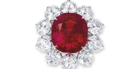 Jewellery, Amber, Magenta, Fashion accessory, Diamond, Macro photography, Crystal, Maroon, Natural material, Gemstone,