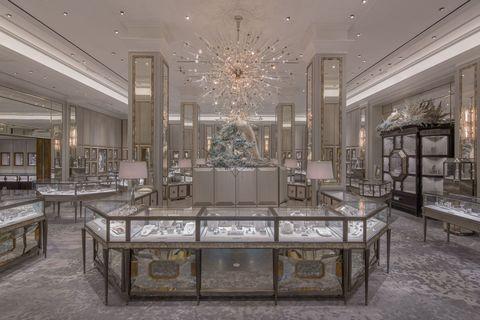 Interior design, Room, Chandelier, Ceiling, Light fixture, Ceiling fixture, Hall, Interior design, Floor, Decoration,