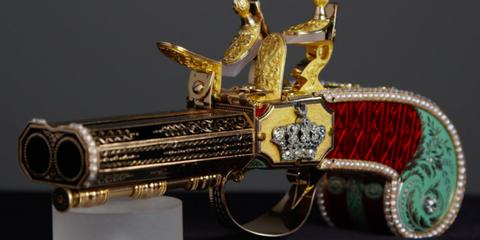 Symbol, Metal, Emblem, Classic, Classic car, Brass, Antique car, Antique, Still life photography, Silver,