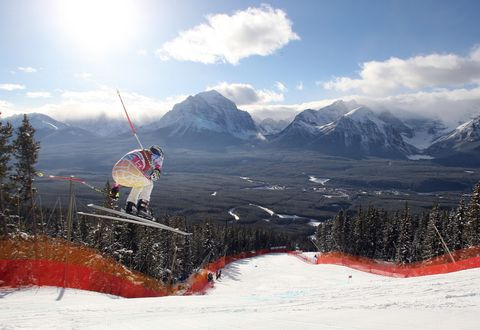 Mountainous landforms, Mountain range, Cloud, Winter, Slope, Mountain, Hill station, Snow, Valley, Summit,