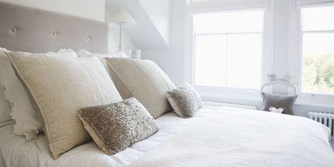 Bed, Room, Bedding, Property, Interior design, Textile, Bedroom, Bed sheet, Wall, Linens,