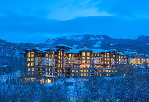 Blue, Winter, Facade, Mountain range, Snow, Mixed-use, Apartment, Freezing, Summit, Alps,
