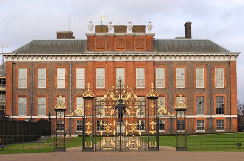 Facade, Palace, Mansion, Brick, Sash window, Manor house, Chimney, Stately home, Brickwork, Estate,