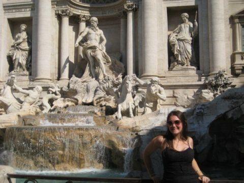 Human, Sculpture, Sunglasses, Fountain, Tourism, Water feature, Classical sculpture, Art, Statue, Stone carving,