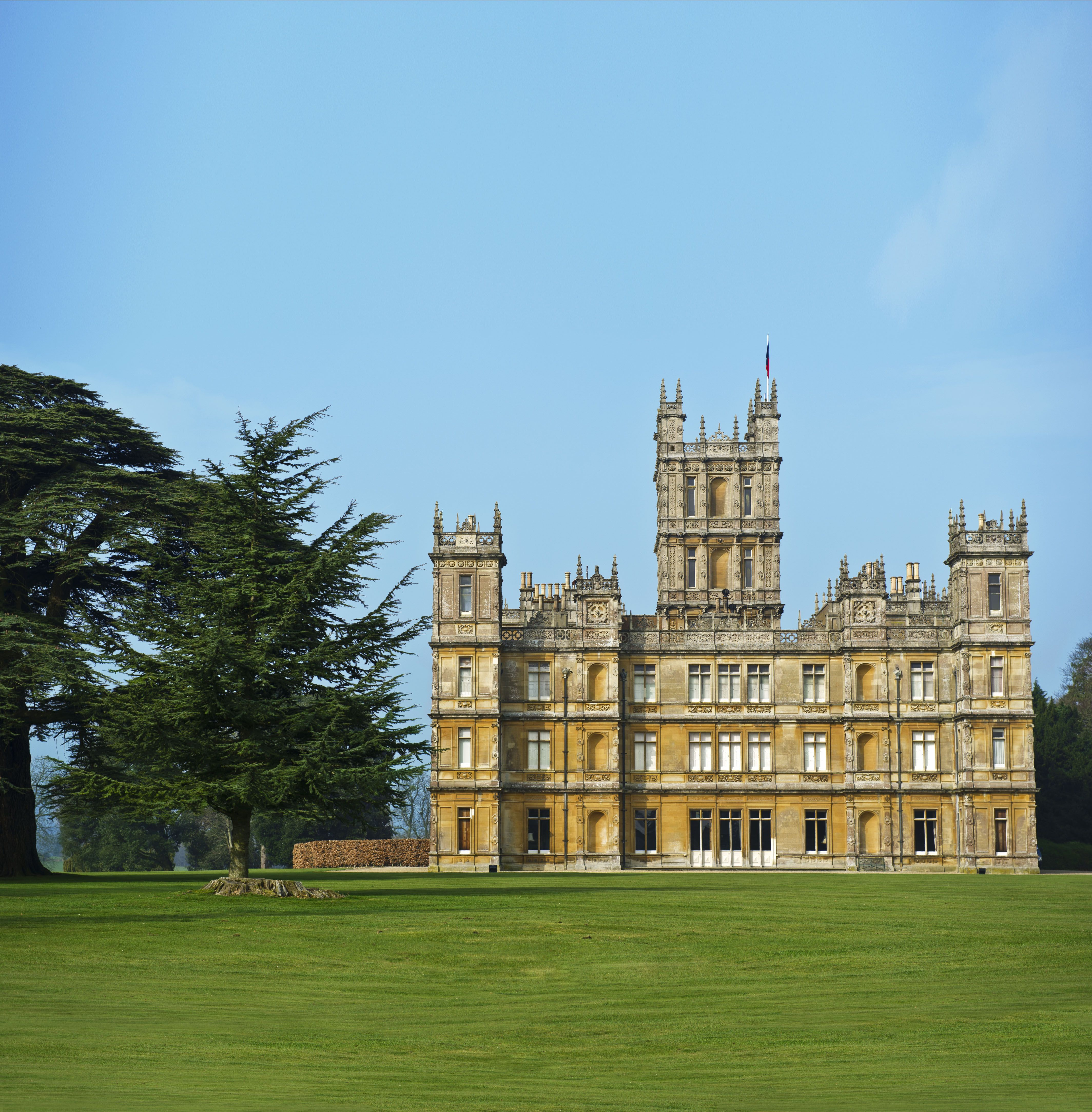 15 Photos Of Highclere Castle The Real Life Downton Abbey