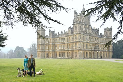 Estate, Château, Grass, Building, Lawn, Architecture, Tree, Stately home, Manor house, Palace,