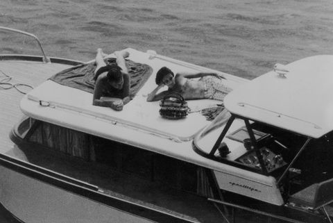 Water transportation, Vehicle, Boat, Speedboat, Boating, Watercraft, Recreation, Black-and-white, Naval architecture,