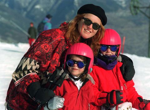 Eyewear, Snow, Red, Helmet, Winter, Personal protective equipment, Fun, Sunglasses, Recreation, Goggles,