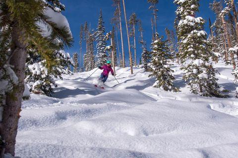 Winter, Recreation, Winter sport, Snow, Glacial landform, Outdoor recreation, Ski Equipment, Slope, Adventure, Terrain,