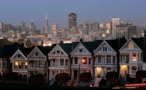Window, Facade, Metropolitan area, Residential area, City, Real estate, Urban area, Home, Roof, House,
