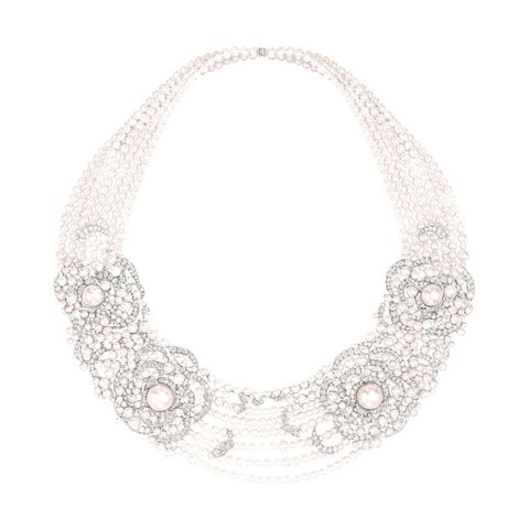 White, Style, Fashion accessory, Jewellery, Natural material, Beige, Body jewelry, Circle, Bridal accessory, Silver,