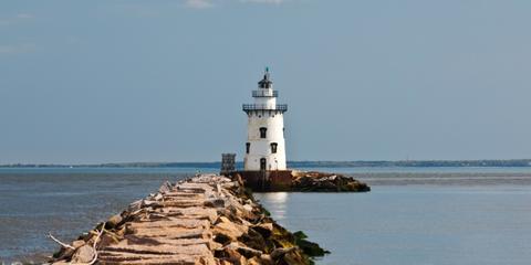 Body of water, Coastal and oceanic landforms, Tower, Natural environment, Coast, Shore, Water, Beacon, Waterway, Horizon,