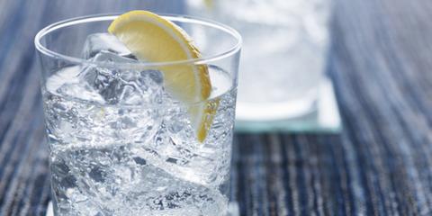Fluid, Liquid, Lemon, Citrus, Drink, Fruit, Meyer lemon, Tableware, Ingredient, Glass,