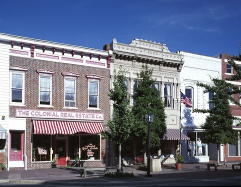 Window, Town, Neighbourhood, Street, Facade, Commercial building, Mixed-use, Urban design, Sidewalk, Curb,